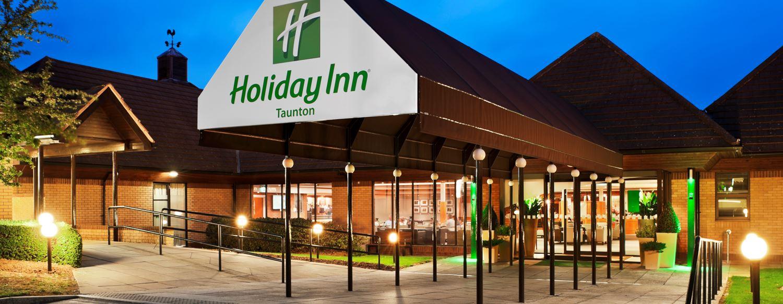 Receptionistholiday Inn Taunton Taunton Kew Green Hotels